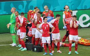 La selección de Dinamarca, desconcertada por Erikssen. (Foto: Reuters).