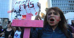 Mujer y violencia vicaria, donde más nos duele