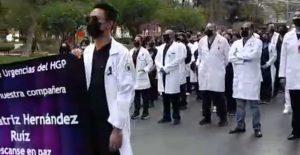 Marchan en silencio para exigir justicia por el feminicidio de la doctora Beatriz Hernández en Hidalgo