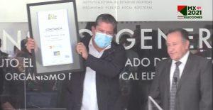 David Monreal recibe constancia como gobernador electo de Zacatecas