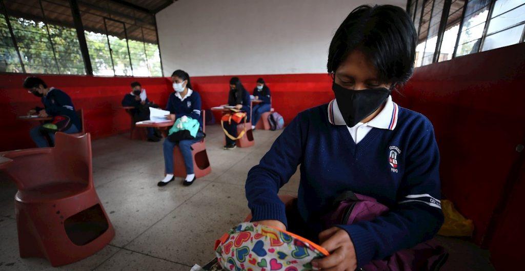 Ante denuncias de padres y casos de Covid, diputados del PRI piden a SEP informe sobre protocolos en escuelas