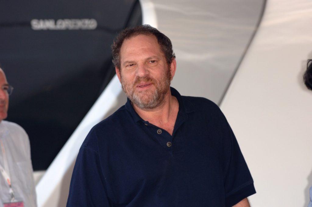 Juez aprueba extradición de Harvey Weinstein a California