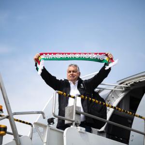 Primer ministro de Hungría propone ley antiLGBT que podría censurar 'Harry Potter' y 'Friends'