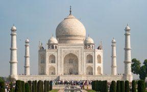 La India reabre el Taj Mahal tras dos meses de inactividad por segunda ola de coronavirus en el país