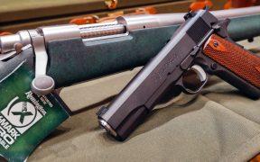Gobernador de Texas firma ley que permite el libre porte de pistolas sin necesidad de licencia