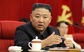 """Kim Jong-un llama a Corea del Norte a prepararse para """"el diálogo y el conflicto"""" con EU"""