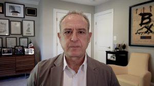En opinión de Sarukhán: Gobernador de Texas arriesga la relación transfronteriza al usar a México como piñata política