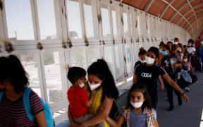 Estados en EU usan como argumento el repunte de casos de Covid para frenar migración a sus ciudades