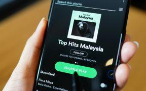 Spotify busca potenciar sus podcast con la compra de Podz, una startup con inversión de Paris Hilton