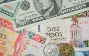Gobierno de Cuba prohíbe a bancos recibir depósitos de dólares en efectivo