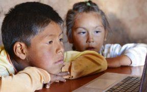 Sólo el 50.4% de la población rural de México tiene algún medio para usar internet, revela Inegi