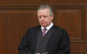 Jueza admite a trámite amparo contra ampliación de mandato de Zaldivar