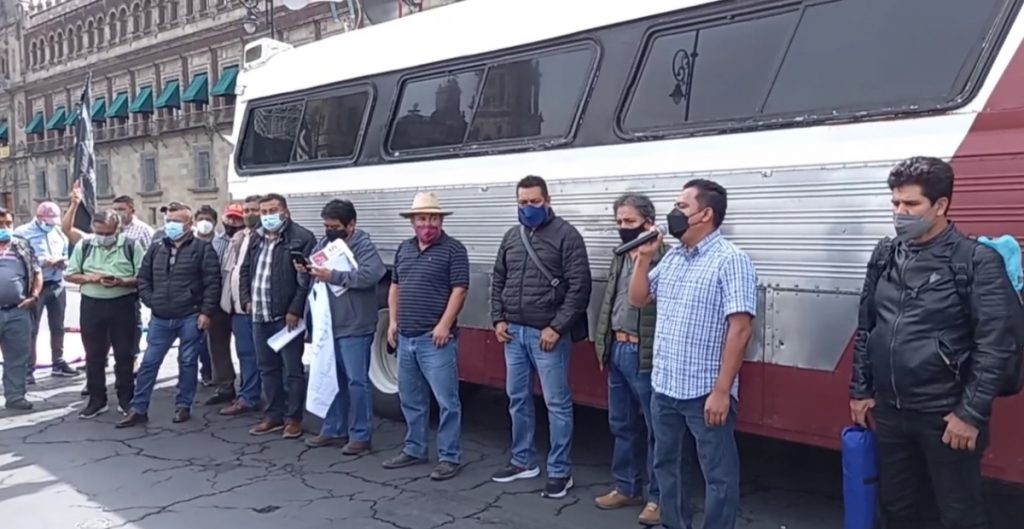 """CNTE realiza plantón en el Zócalo y arranca """"jornada de lucha"""" de 72 horas"""