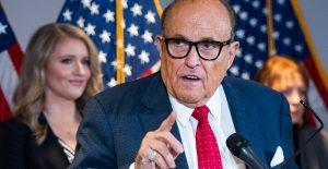 NY suspende licencia legal de Giuliani por mentir sobre fraude en elecciones