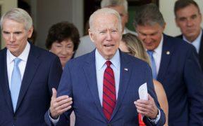 Aprobación de Biden alcanza el 50%; tema migratorio donde recibió peores calificaciones, según una encuesta