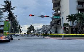 Solicitan declaratoria de emergencia por derrumbe de edificio en Miami; Biden, dispuesto a liberar recursos