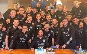 Messi celebró su cumpleaños 34 concentrado con la selección de Argentina. (Captura de video).