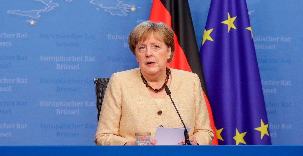 """UE """"merece"""" defender sus intereses frente a Putin en una cumbre: Merkel"""