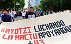 Protestan en CDMX y Guerrero por los 43 desaparecidos de Ayotzinapa