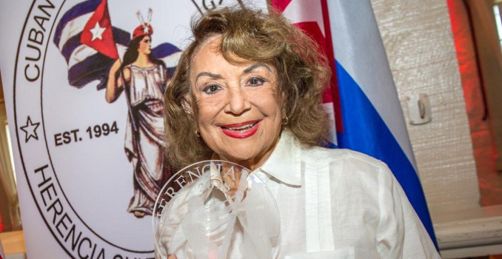 Murió Delia Fiallo, escritora de telenovelas como 'El privilegio de amar' y 'Esmeralda'