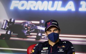 'Checo' está motivado por correr su GP 200 en la casa de Red Bull. (Foto: EFE).