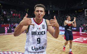 Francisco Cruz celebra el triunfo de México sobre Rusia en el Preolímpico. (Foto: FIBA).