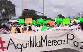 Ejército acuerda con pobladores de Aguililla desbloquear carretera en horario diurno