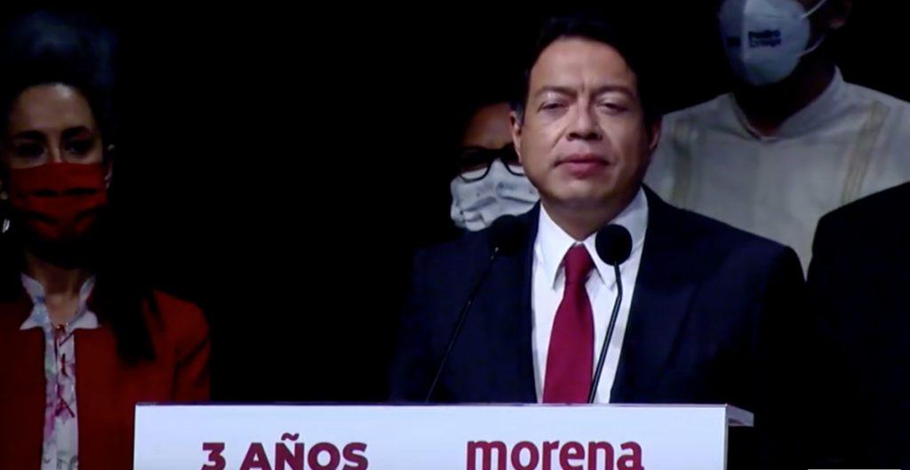 """Morenistas abuchean a Mario Delgado; gritan """"presidenta"""" a Sheinbaum"""
