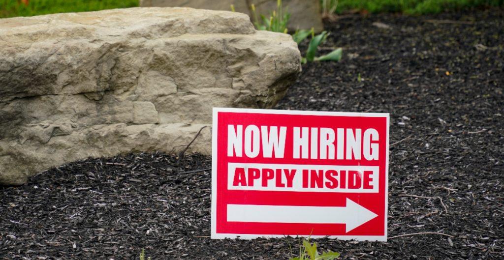 EU agrega 850 mil empleos en junio; tasa de desempleo aumentó a 5.9%