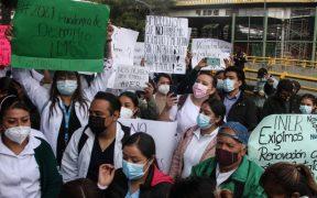 medicos-atendieron-covid-19-exigen-ser-recontratados-amagan-marcha nacional