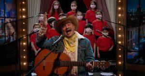 Hoy en TeneBrozo: 3 pistas 3, el Charro Amarillo con su coro de niños golpistas; en el estudio Adela Navarro Bello y Héctor de Mauleón