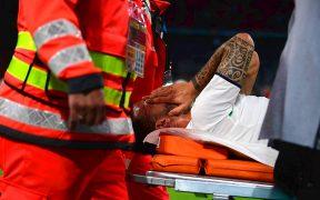 Spinazzola dejó la cancha desconsolado, consciente de su grave lesión. (Foto: Reuters).