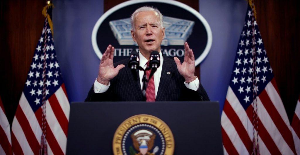 "Biden convoca a ""cumbre por la democracia""; llama al combate global contra el autoritarismo"