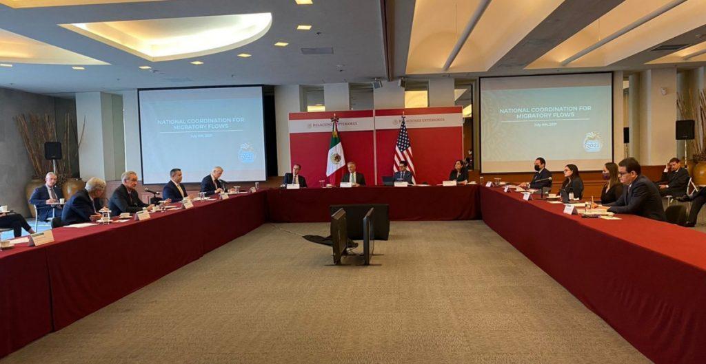 Senadores de EU se reúnen con funcionarios mexicanos para analizan la migración irregular