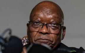 Expresidente de Sudáfrica, Jacob Zuma, se entrega a las autoridades para pasar 15 meses en prisión