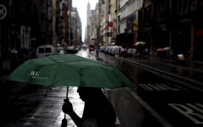 """NY emite alerta por inundación a causa de la tormenta tropical """"Elsa"""""""