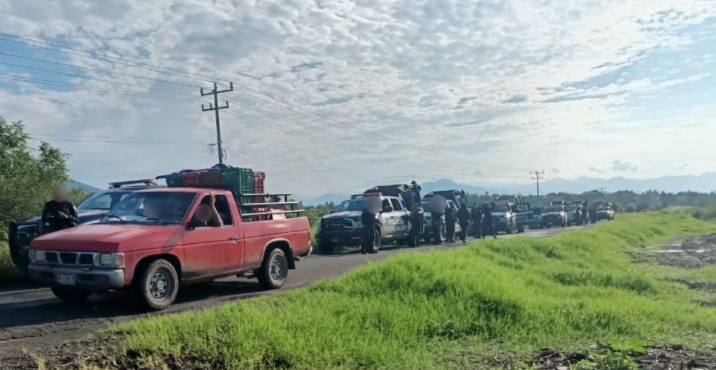Desaparición de fundador de autodefensas desata enfrentamientos y bloqueos en Michoacán
