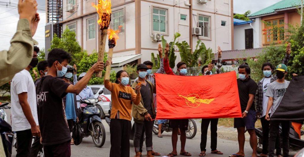 Represión militar tras golpe de Estado en Birmania ha dejado más de 900 muertos