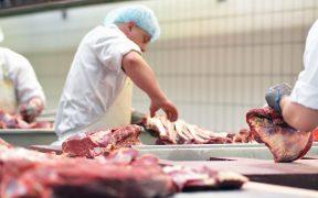 Precio de la carne de res ha subido más de 20% durante el año en algunas zonas del país, reporta Inegi