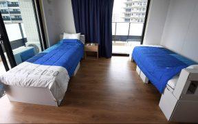 Todas las camas están hechas de cartón. (Foto: Reuters).