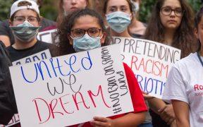 México lamenta suspensión de DACA; asegura que 600 mil permisos siguen vigentes