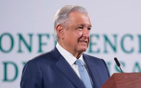 INE determina no aplicar medidas cautelares contra AMLO y Morena por promover consulta popular