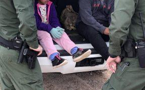 Exigen fin de detención de niños migrantes en Base Militar de Texas debido a presencia de sustancias tóxicas