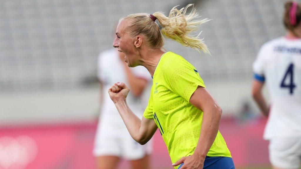 Stina Blackstenius celebra el 1-0 de Suecia ante EU. (Foto: EFE).