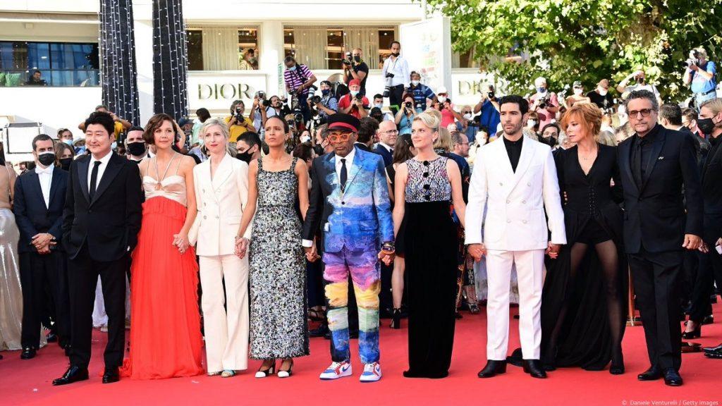 Cannes gastó más de 1 mdd en pruebas Covid gratuitas a 28 mil asistentes