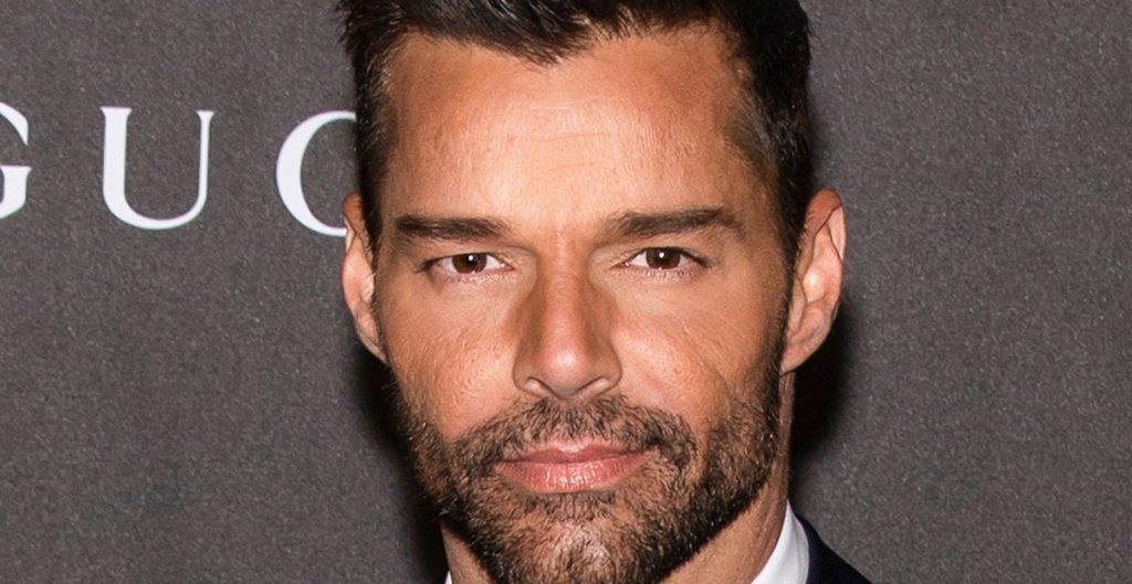 """""""No seas tan egocentrista, olvídate de los ridículos videos de conspiración que ves en YouTube"""", dice Ricky Martin"""