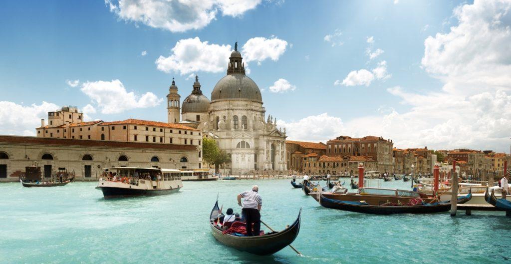 Venecia evita entrar en lista de patrimonio de la humanidad en peligro, está en la mira por exceso de turismo