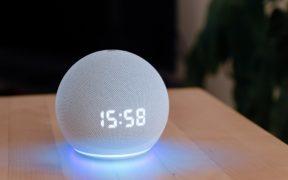 Amazon introduce una voz masculina para su asistente inteligente Alexa