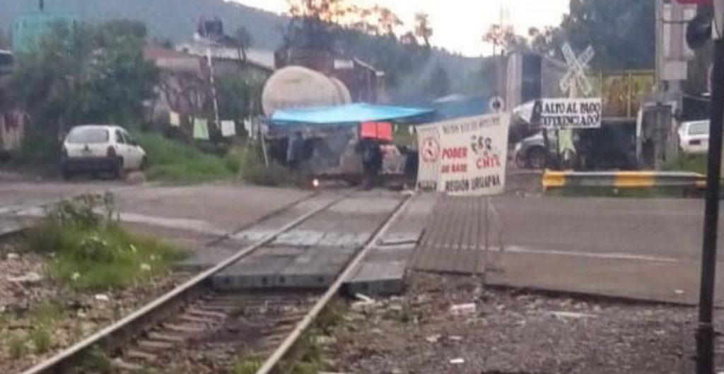 CNTE libera vías del tren bloqueadas en Michoacán, informa AMF