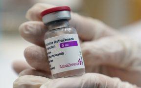 """AstraZeneca asegura que su vacuna es """"altamente eficaz"""" ante las variantes del coronavirus"""